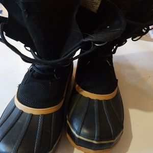 Womens boots size 10